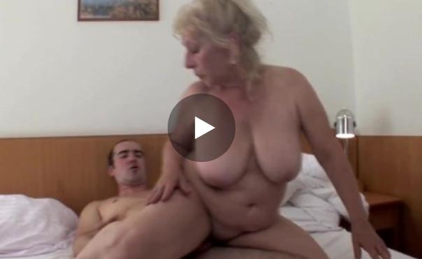 Sex sa mamom
